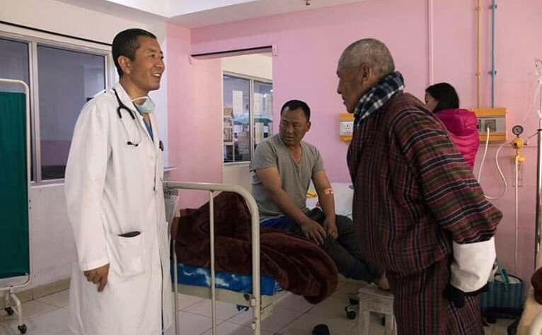 Unique lifestyle of PM. PM of Bhutan Lotay Tshering checking patients in hospital. A pic by AFP